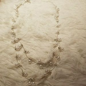 Jewelry - Faux Pearl Necklace NWOT offer15$